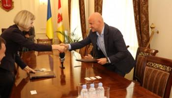Геннадий Труханов и руководитель проекта USAID подписали Меморандум по повышению энергоэффективности в городе